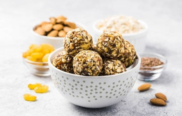 Raw dried fruit, oatmeal, nuts energy balls | Cranberry Almond Energy Bites | 9 Easy Frozen Vegan Meals To Make Ahead