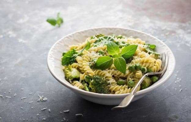 Summer pasta with broccoli, spinach, basil, creamy sauce and cheese | Creamy Broccoli Pasta | 9 Easy Frozen Vegan Meals To Make Ahead