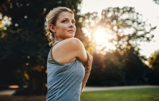 a fit girl is working out in the morning | Vegan Diet Can Help You Lose Weight | 6 Science-Backed Health Facts About Veganism