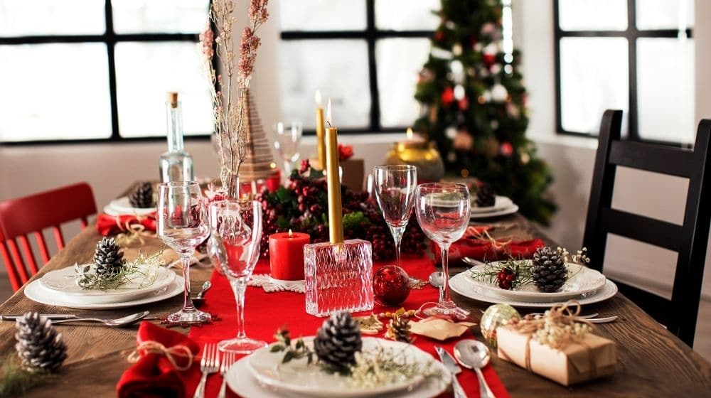 Served Chirstmas dinner table | Feature | 10 Tips For Choosing Vegan Recipes For The Holidays